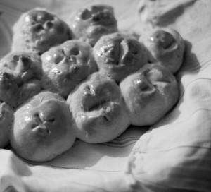 een breekbrood, zelf gebakken