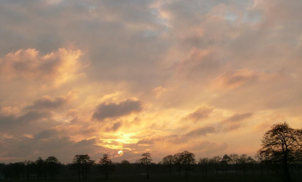 zonsondergang Wekerom